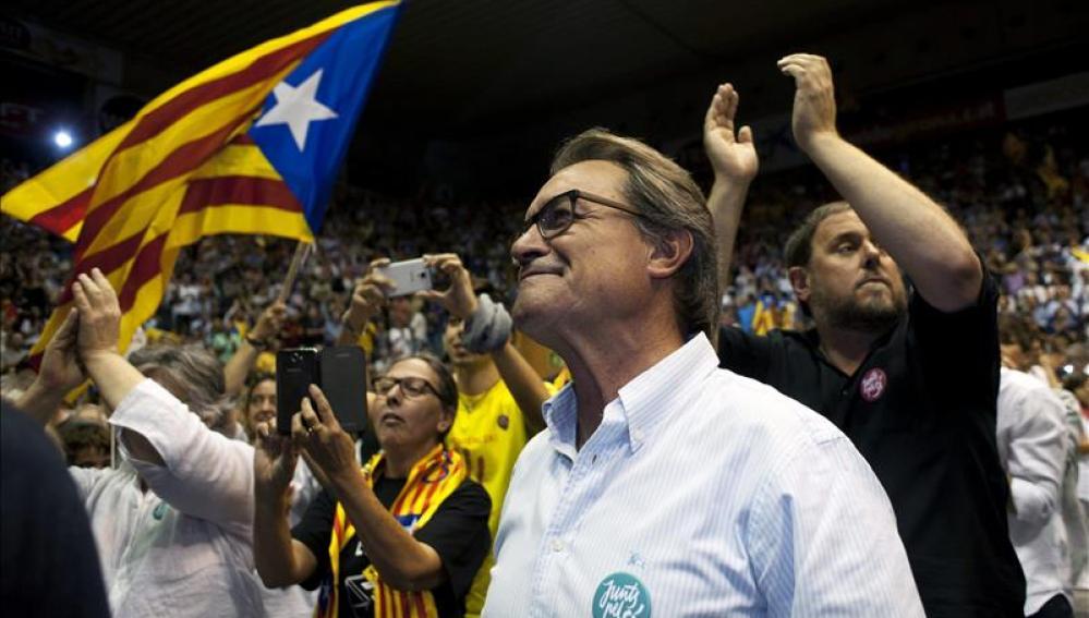 """El presidente de la Generalitat, Artur Mas, anoche en el penúltimo mitin de la campaña de """"Junts pel Sí"""""""