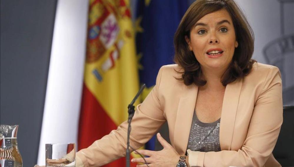 La vicepresidenta Soraya Sáenz de Santamaría, durante la rueda de prensa posterior al Consejo de Ministros