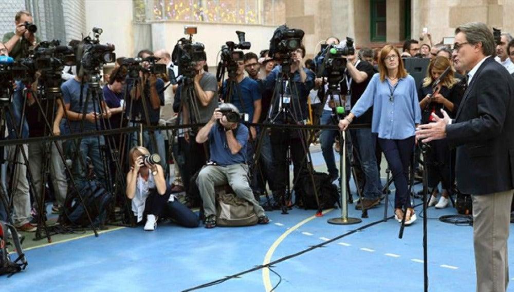 Artur Mas ante los medios
