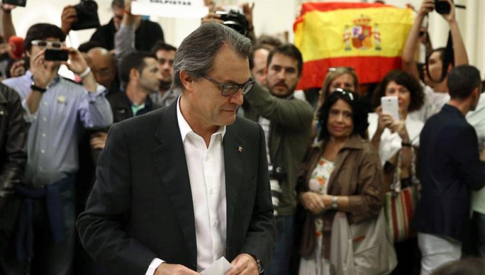 Artur Mas ejerce su derecho a voto