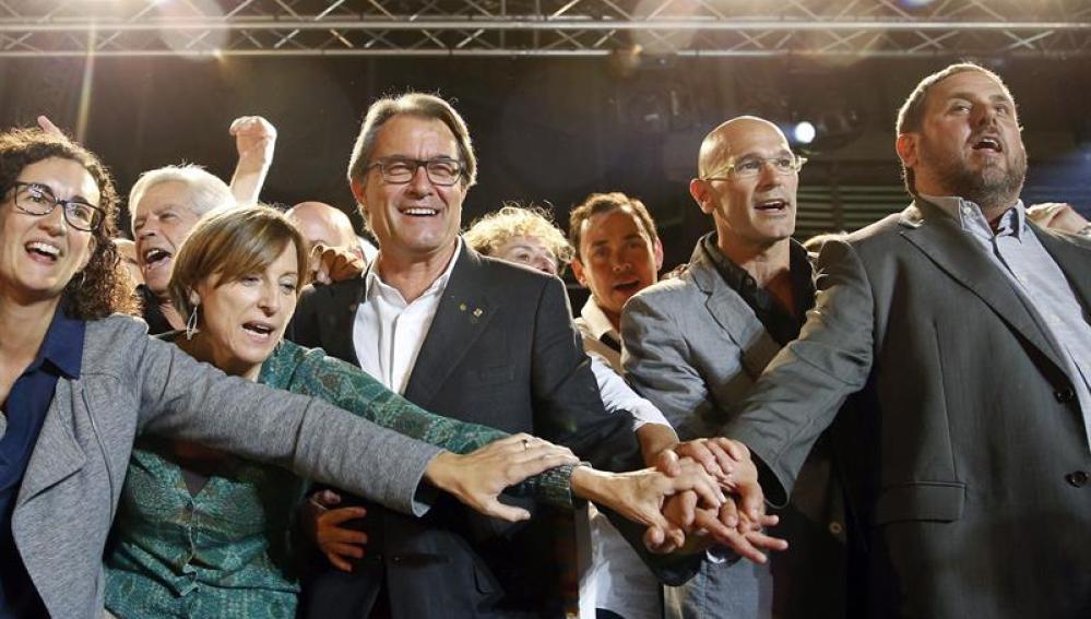 Artur Mas, Oriol Junqueras, Raül Romeva y Carme Forcadell celebran los resultados