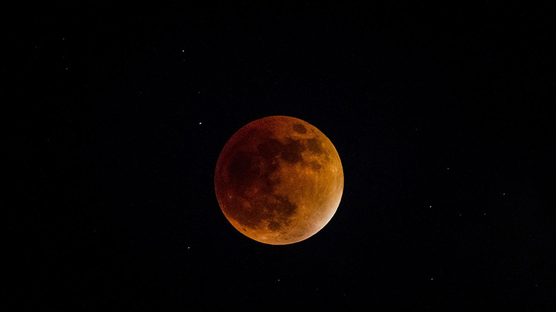 Eclipse total de la mayor superluna de los últimos 4 años
