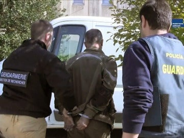 Momento de la detención en Francia el presunto asesino de Eva Blanco