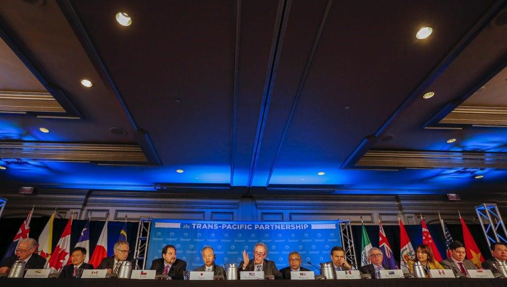 Representantes de doce países del Pacífico, incluyendo EEUU