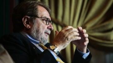 Juan Luis Cebrián durante una entrevista