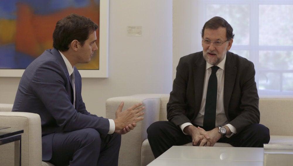 El presidente del Gobierno, Mariano Rajoy y el líder de Ciudadanos, Albert Rivera