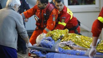 Los servicios de emergencias actúan tras la explosión en la discoteca