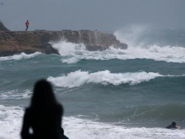 La playa del Miracle de Tarragona, durante el temporal de levante