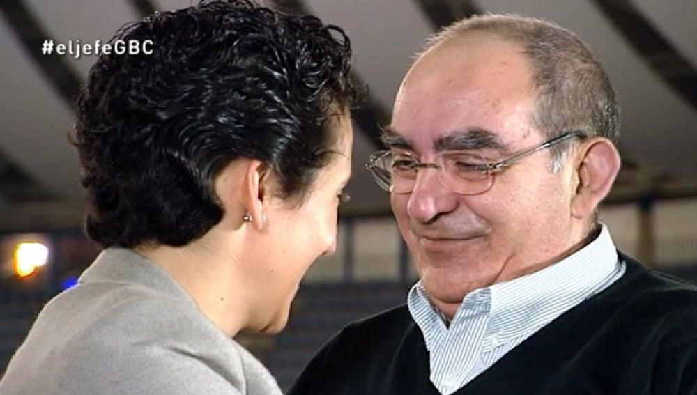 Cristina Gabilondo recibe en las revelaciones a Ricardo, el voluntario