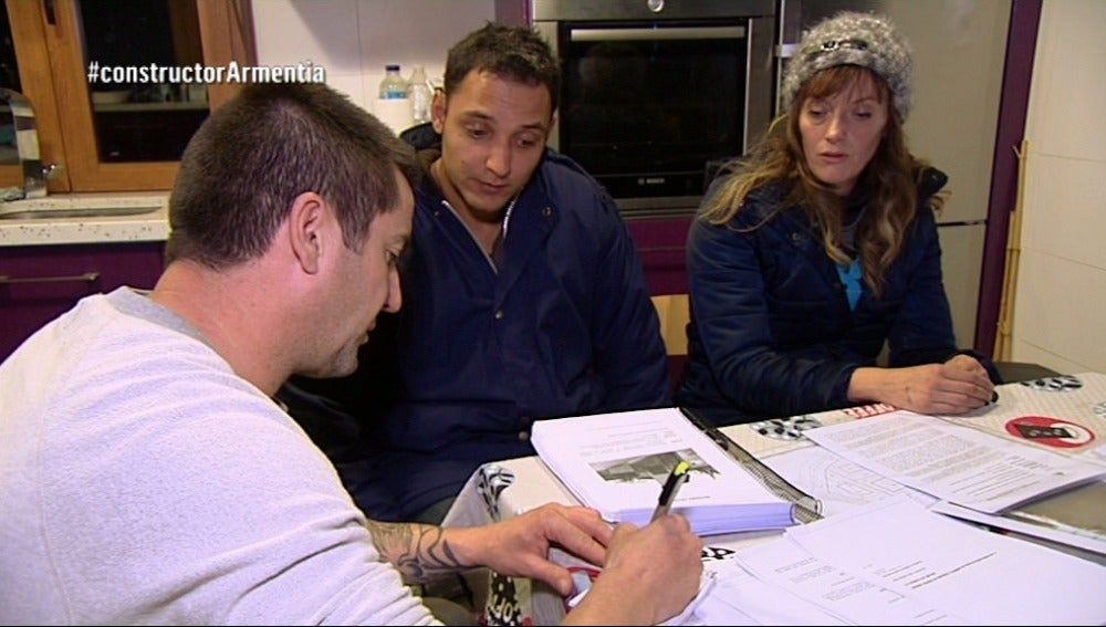 Jorge y Zuria dan toda la información que tienen sobre su Constructor a la fuga