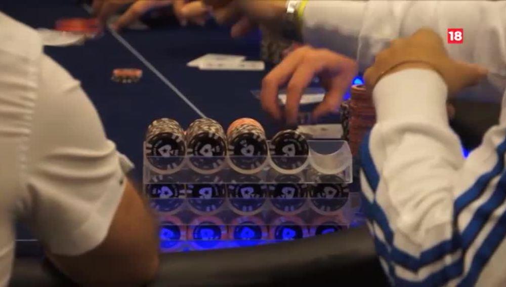 El juego del póker, en Equipo de Investigación