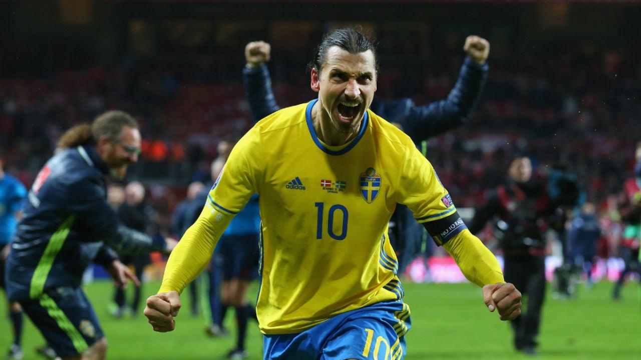 Zlatan Ibrahimovic celebra su gol contra Dinamarca