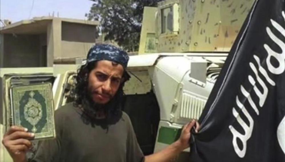 Abdelhamid Abaaoud, en uno de los vídeos del Estado Islámico