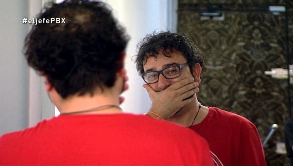 José Antonio Mangas descubre su nueva imagen para la infiltración