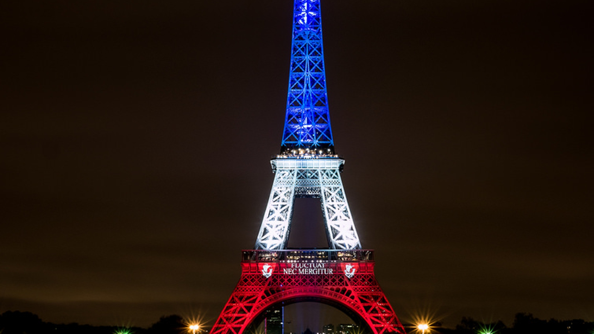La Torre Eiffel, iluminada el pasado 17