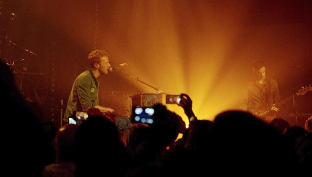 Chris Martin, cantante de Coldplay durante un concierto