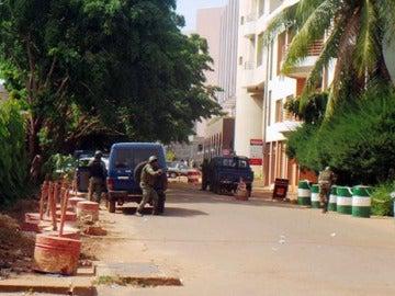 Momento de la intervención el el hotel de Mali atacado