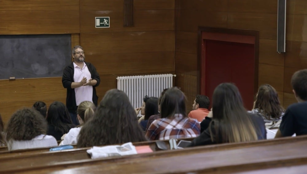 El profesor de la UCM, Carlos Peláez Paz