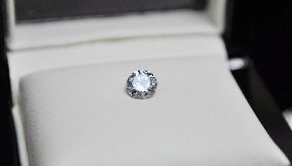 Diamante creado a partir de las cenizas de un difunto