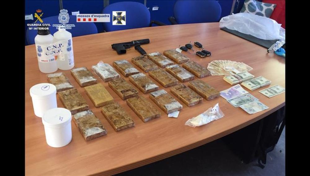 Droga intervenida a un grupo de traficantes