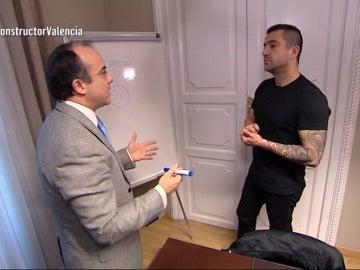 Antonio conoce a un abogado de una víctima con una sentencia contra el constructor