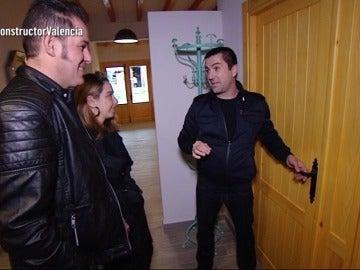 Marta y Julián entran en su nueva casa por primera vez tras la reforma