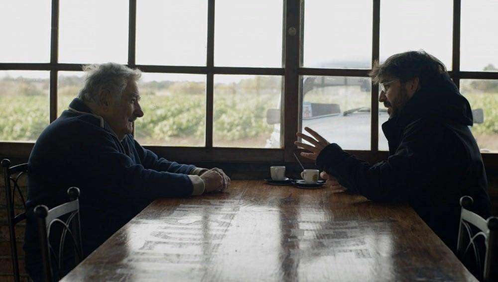 Mujica con Évole