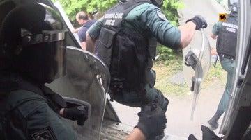 """La Guardia Civil, en peleas de gallos: """"Cuando se abra la puerta, tenemos como máximo tres segundos"""""""