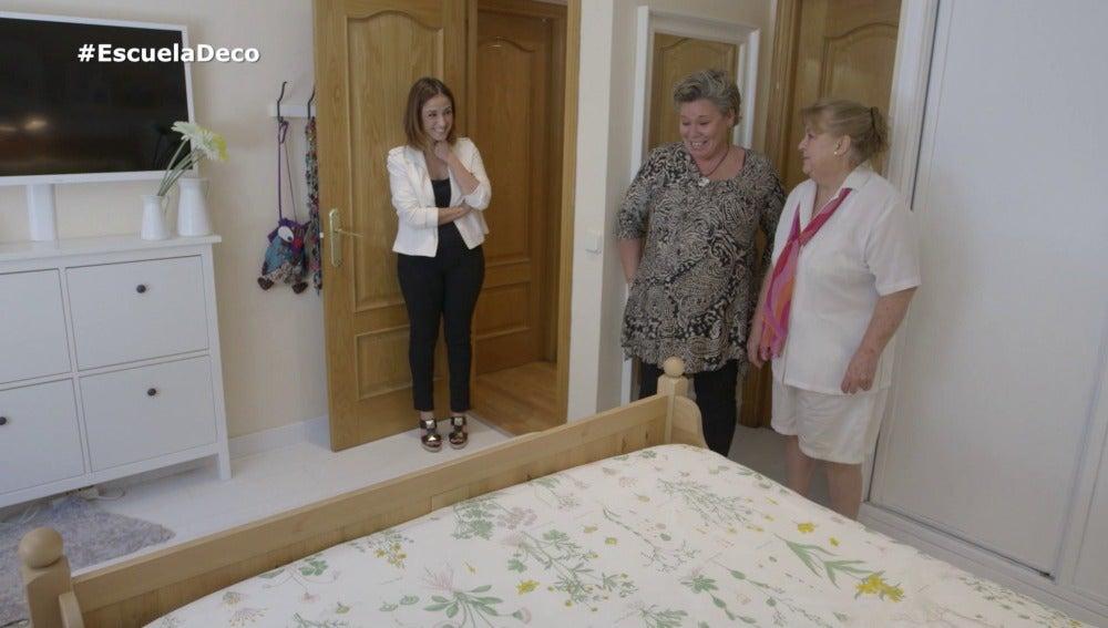 Ángela, muy contenta con el cambio que ha dado su dormitorio