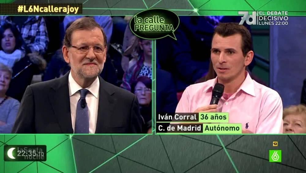 Mariano Rajoy contestando en La Calle Pregunta