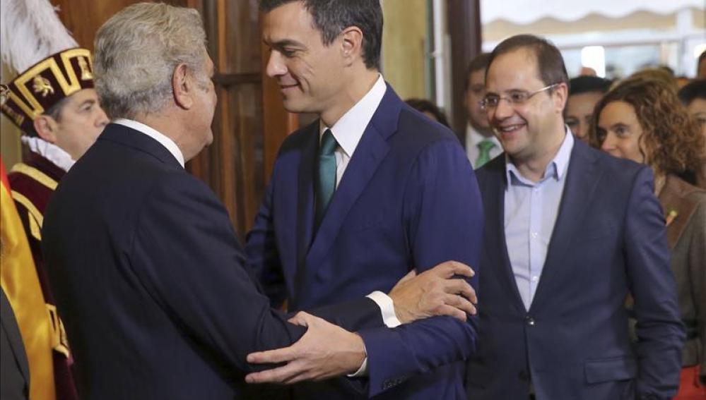 """Sánchez aboga por poner la Constitución """"al día y a la hora"""" del siglo XXI"""