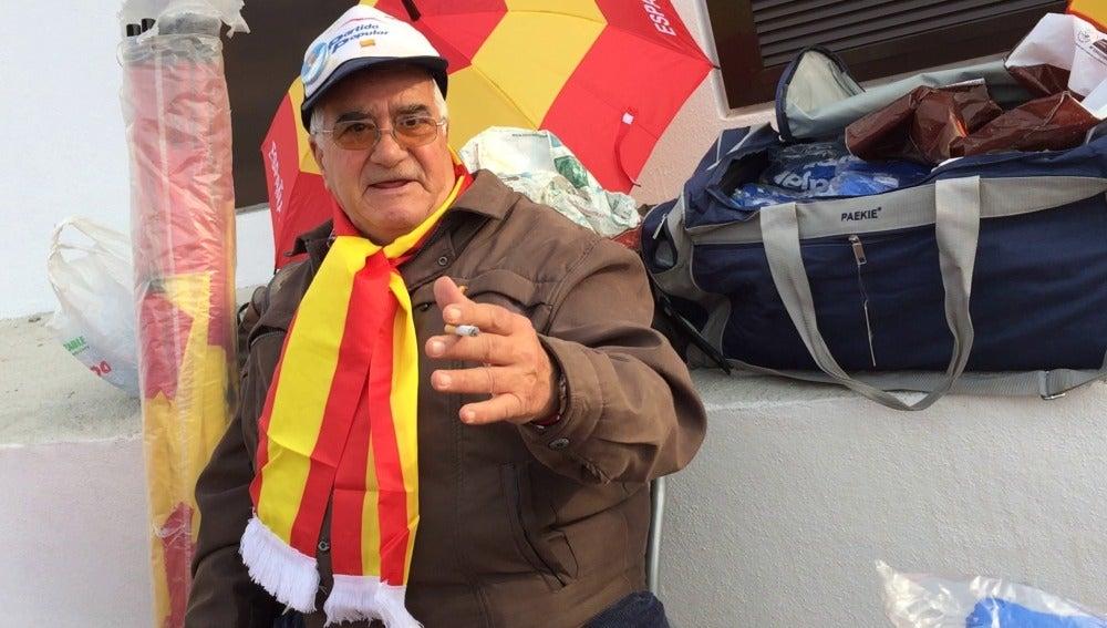Rafael Montoro, vendedor de artículos del PP