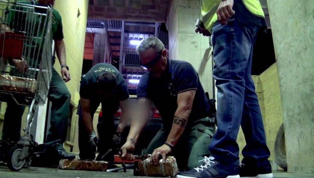 La Guardia Civil encuentra un coche cargado de droga