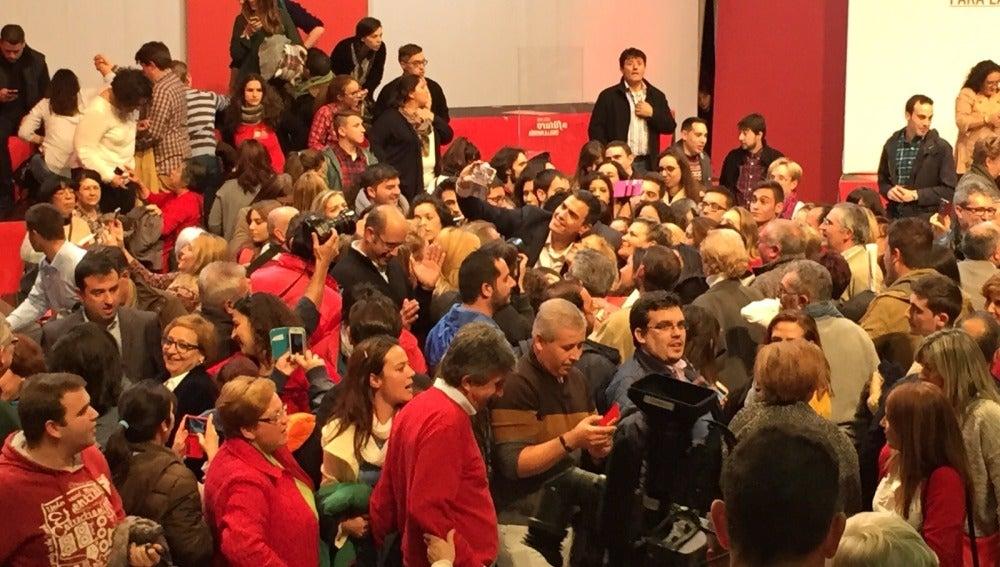 Mitin del PSOE, ¿dónde esta Sánchez?