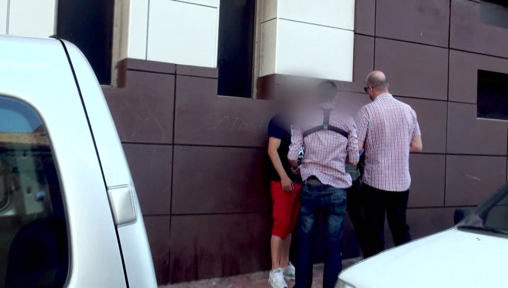 La Guardia Civil se traslada a Torrevieja para detener a un sospechoso