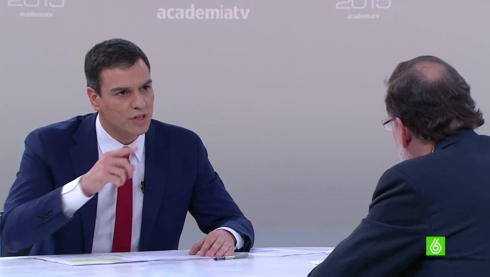 Pedro Sánchez ataca a Rajoy con la corrupción