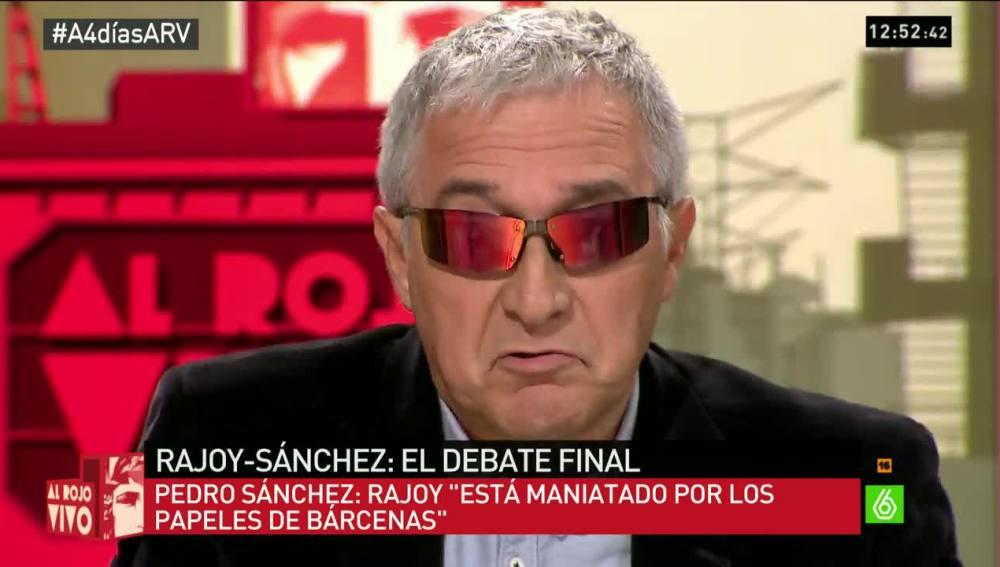 Xavier Sardá con las gafas de sol