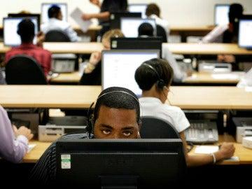 Trabajadores de un call center