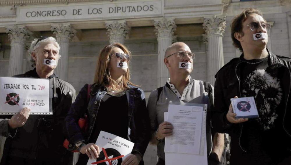 Protestas contra la subida del llamado IVA cultural