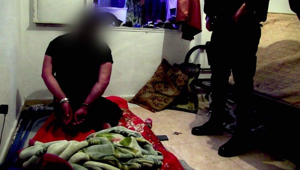Los agentes actúan en Almería contra una organización criminal