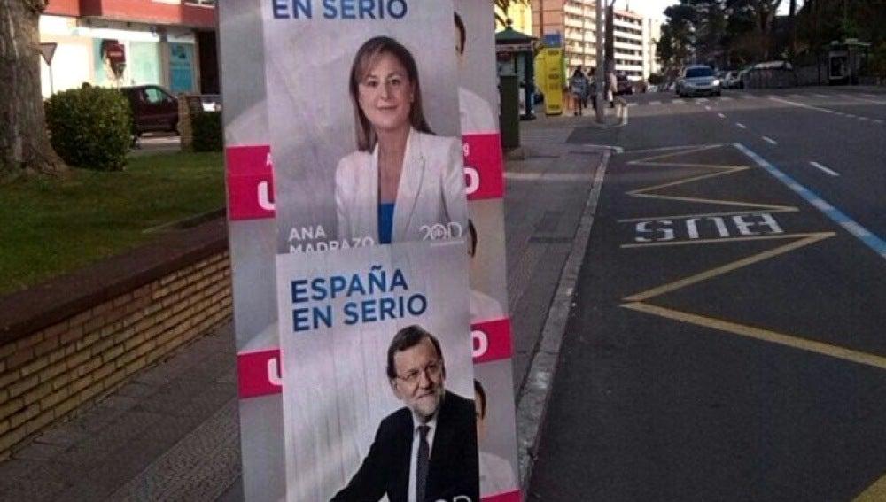Vallas de UPYD con carteles del PP encima