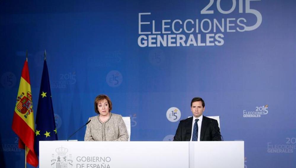 La secretaria de Estado de Comunicación, Carmen Martín Castro, y el subsecretario de Interior