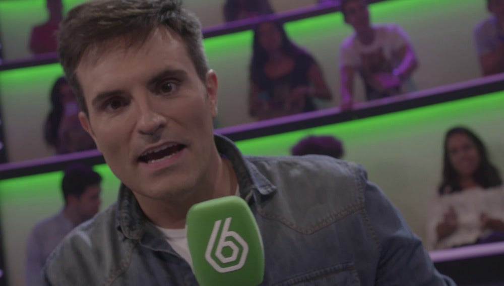 """Luis Larrodera invita a los espectadores a participar desde la app: """"¿Quieres jugar? Yo ya juego, de hecho estoy jugando"""""""
