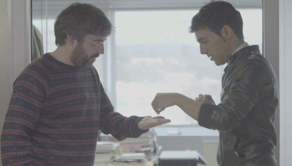 """Jordi Évole presencia la magia del Mago Pop en La Gran Ilusión: """"Voy a intentar hacer algo muy visible"""""""