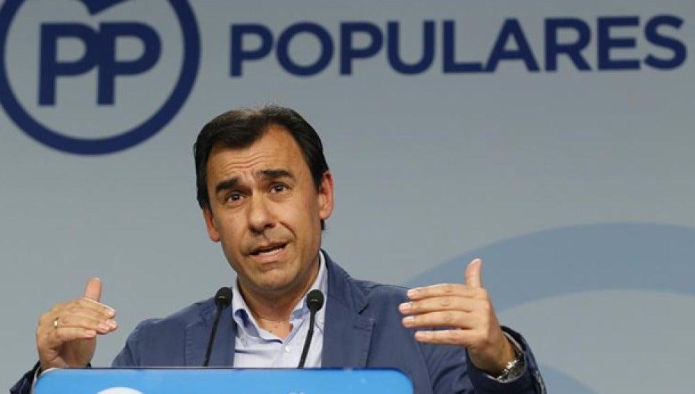 Martínez Maíllo habla ante los medios
