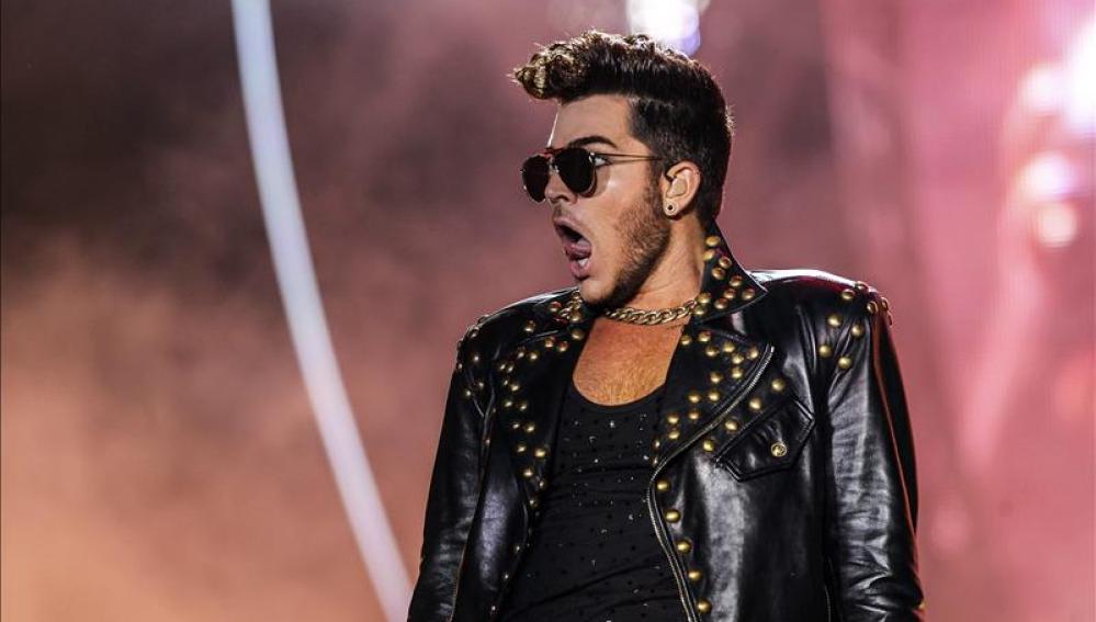 La banda británica Queen, con el cantante estadounidense Adam Lambert