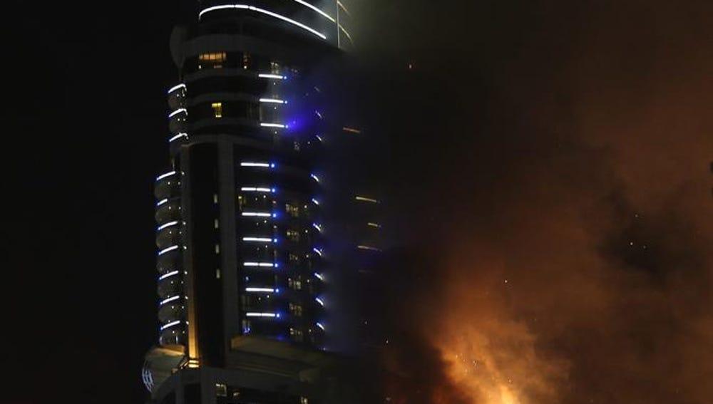 El incendio en un hotel de Dubai comenzaba en la planta 20, según las investigaciones
