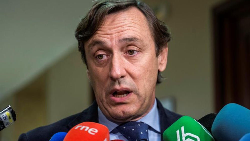 Rafael Hernando ante la prensa