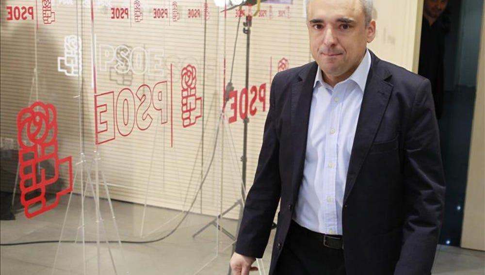 Rafael Simancas en la sede del PSOE