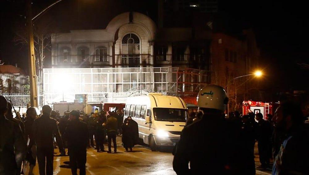 Detenidos en Irán 40 sospechosos del ataque e incendio de la Embajada saudí